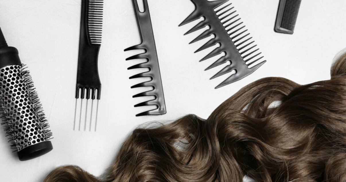 Hairpiece comb for good hairpiece maintenance